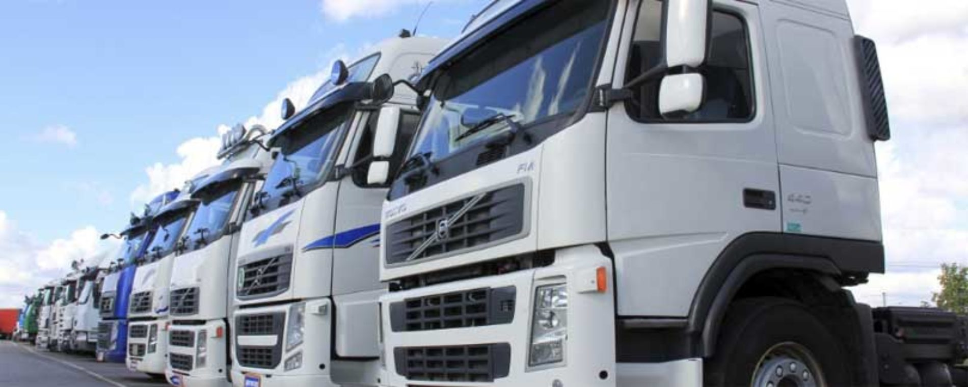Lot norsk 4-åring kjøre lastebil i Spania