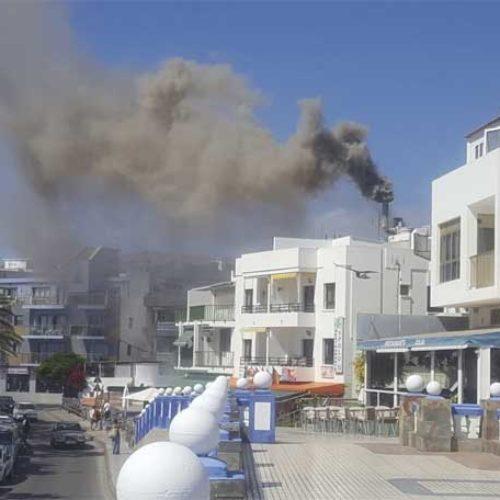 Tre lettere skadd i brann i restaurant i Arguineguín
