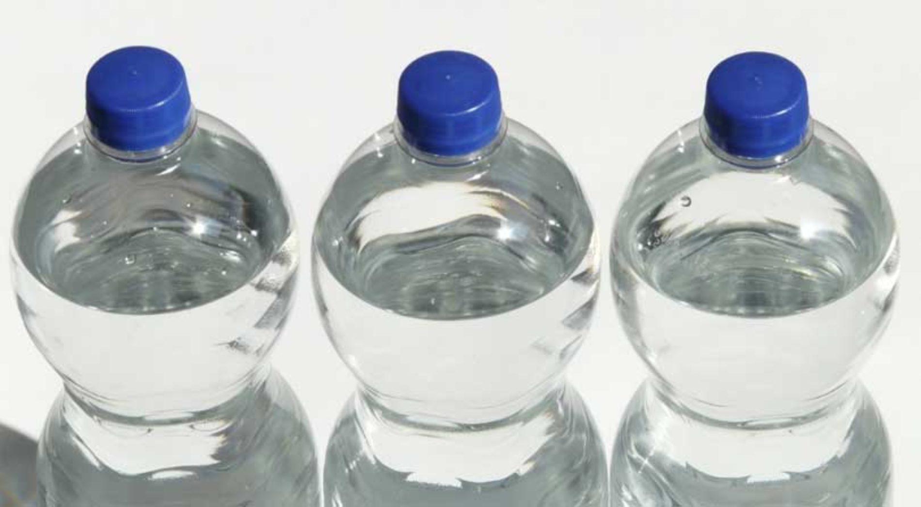 Spanske flyplasser må selge vann for 1 euro