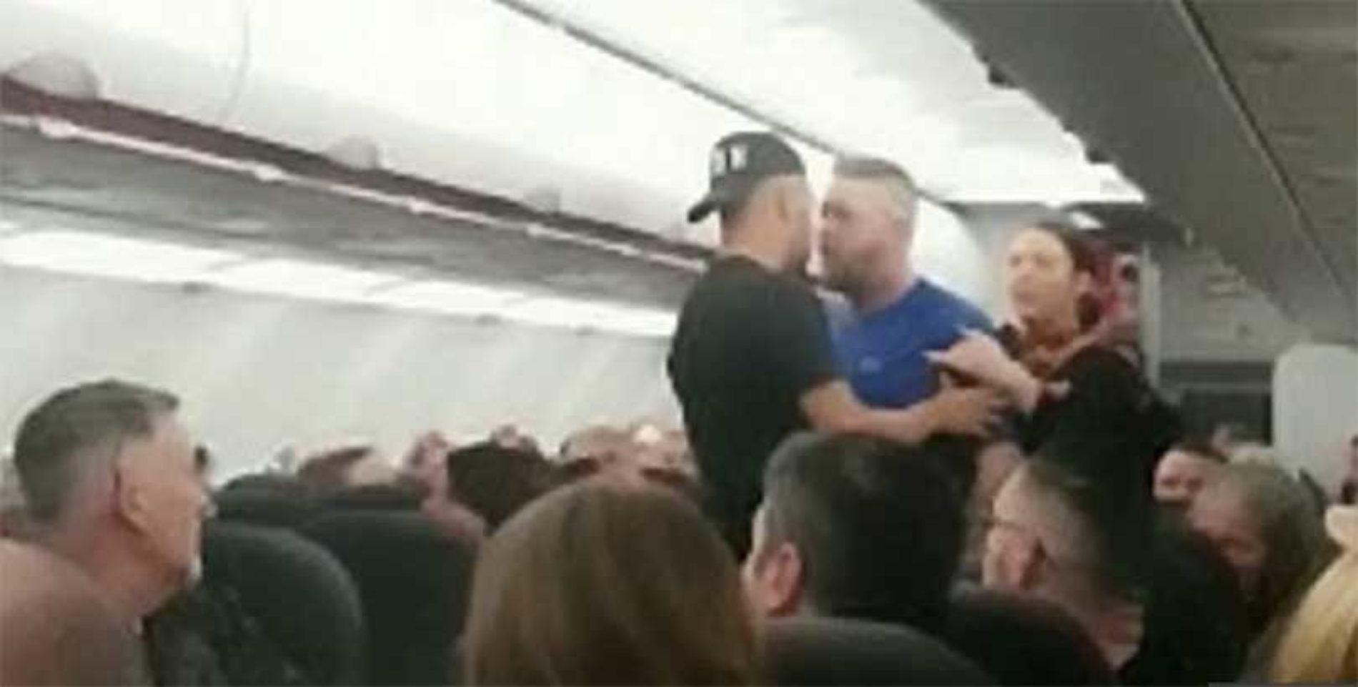 Syv briter kastet av fly som skulle til Gran Canaria