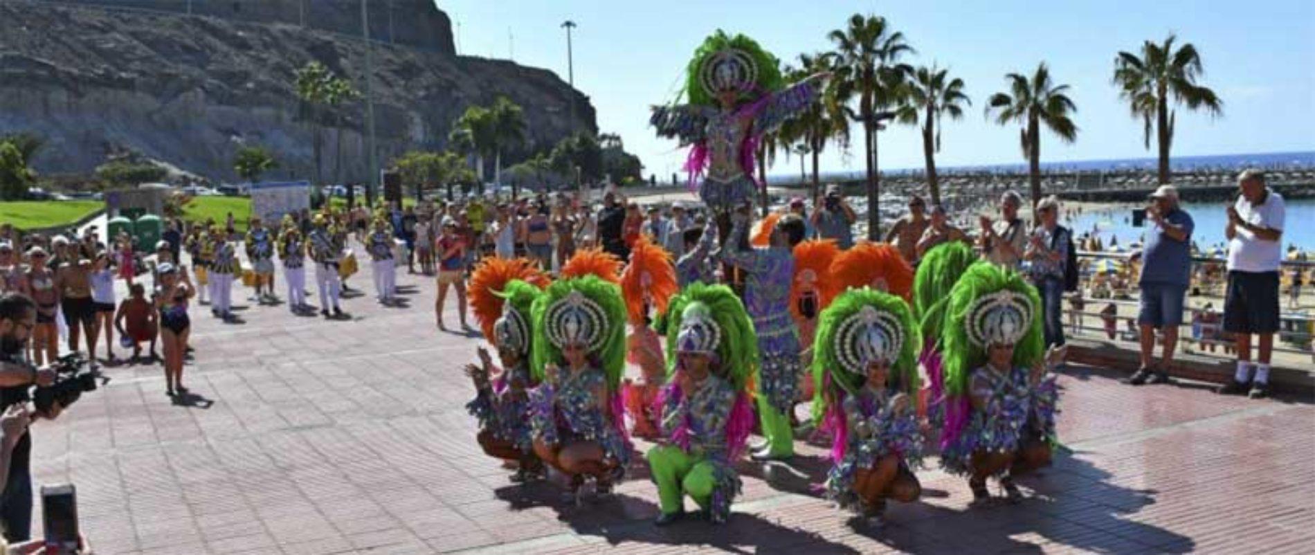 Parade inviterte turister til karneval
