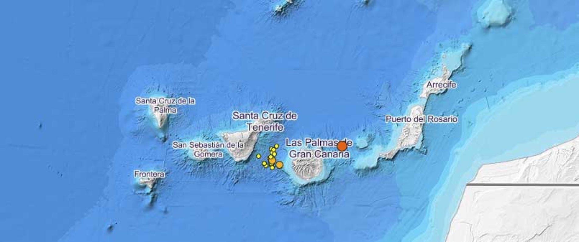 Seismisk sverm med over 50 skjelv i Enmedio-vulkanen