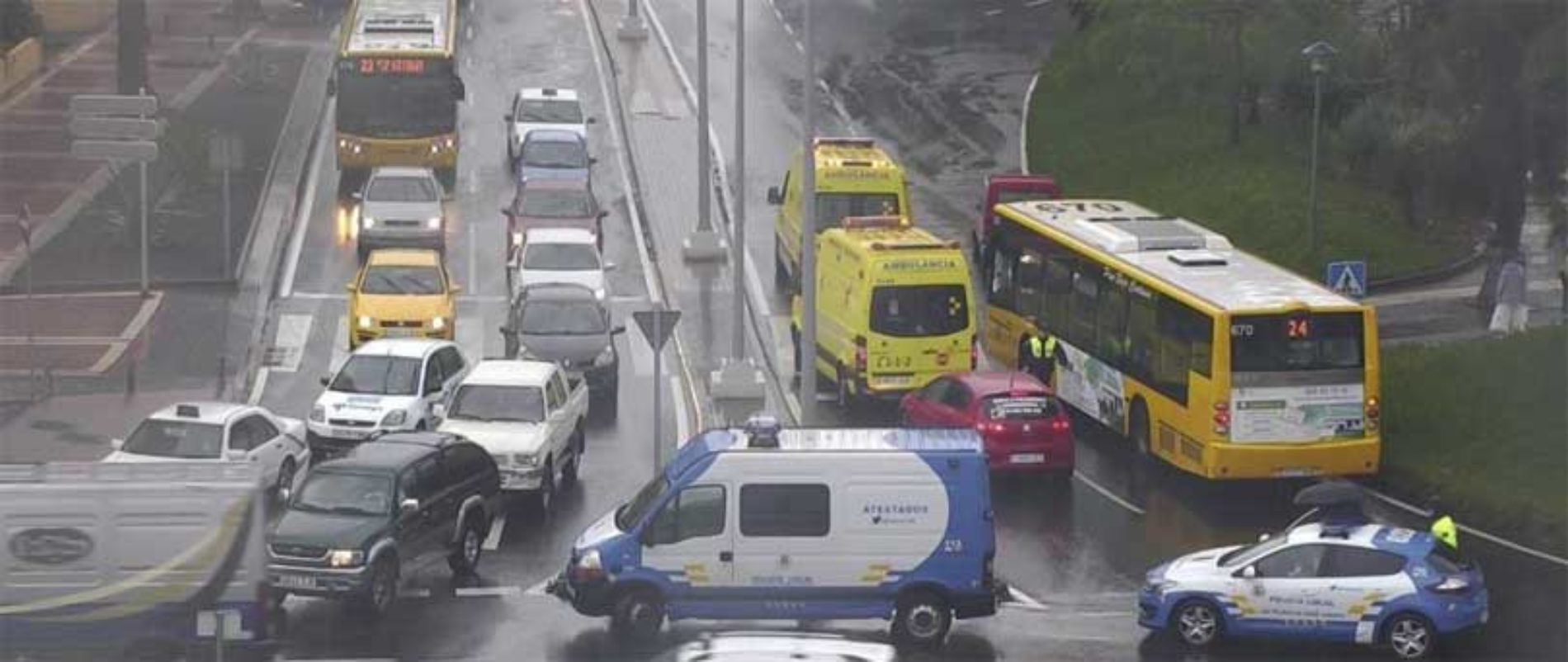 Regnet forårsaker flere ulykker i Las Palmas